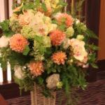 スタンド花 調印式会場 一段¥15,000~ 二段¥30,000~